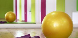 Akcesoria do jogi – warto je kupić?